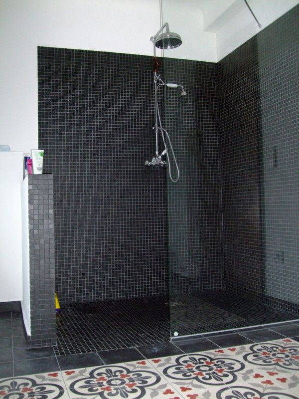 douche italienne 33 photos de douches ouvertes. Black Bedroom Furniture Sets. Home Design Ideas