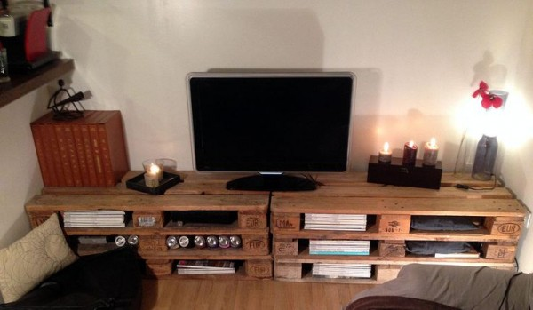 meuble tv palette. Black Bedroom Furniture Sets. Home Design Ideas