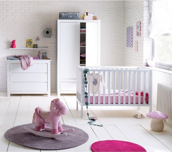 deco chambre bebe fille rose et blanc. Black Bedroom Furniture Sets. Home Design Ideas