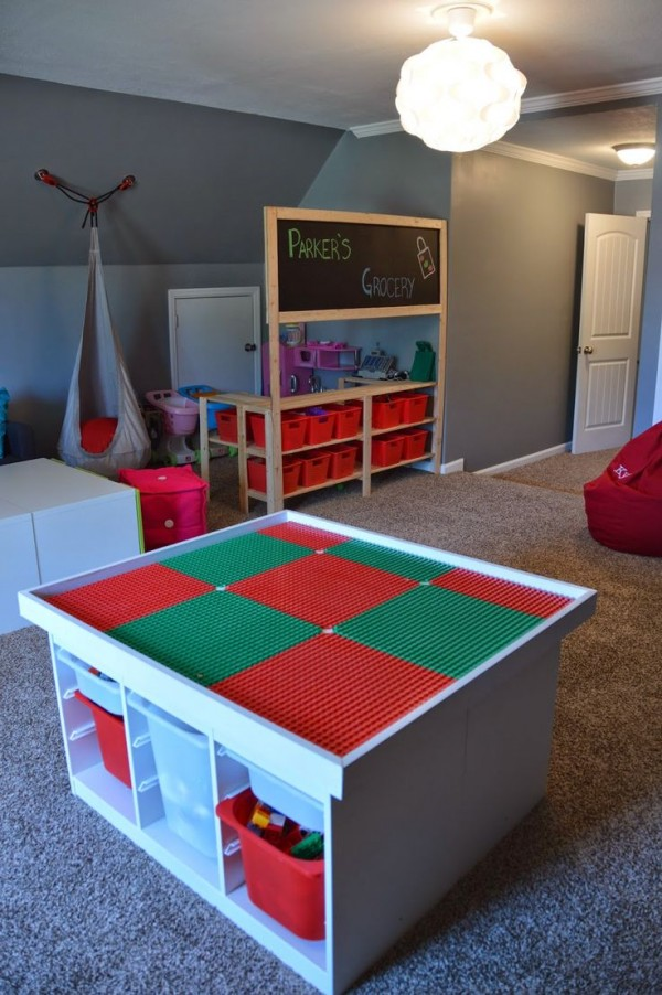 simple table ikea diy pour le rangement des lego with malle de rangement ikea. Black Bedroom Furniture Sets. Home Design Ideas