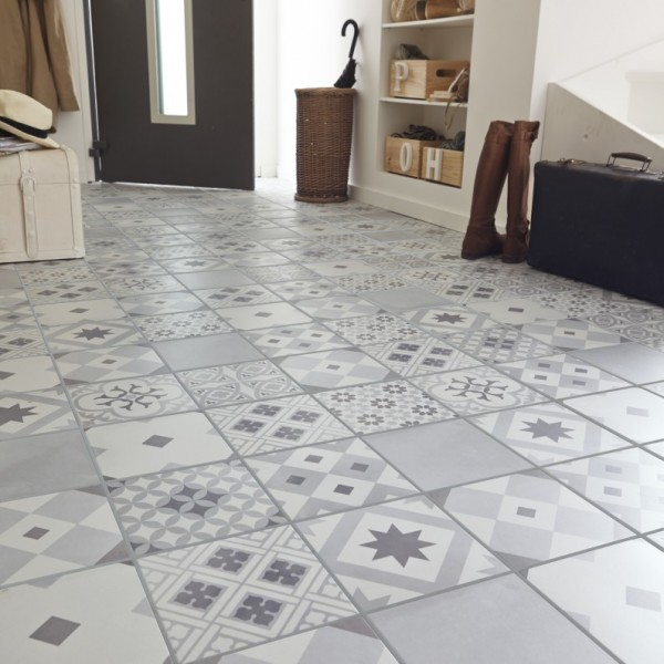 Carrelage imitation carreaux de ciment 7 id es tendance for Carrelage tomette grise