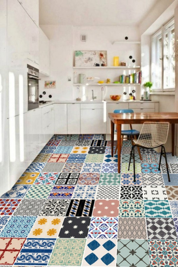 Le carrelage adh sif carreaux de ciment un relooking for Carrelage colore cuisine