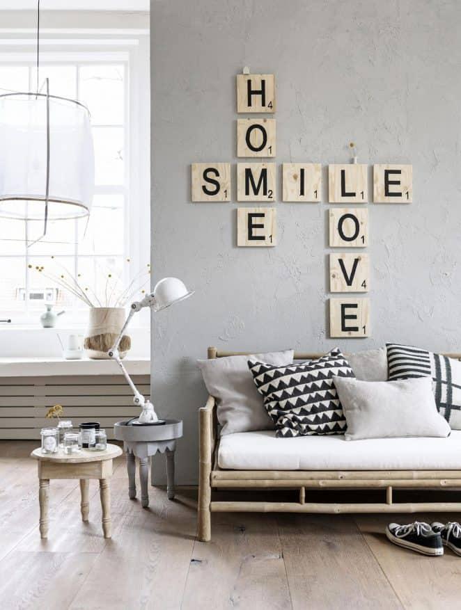 Gardez vos mots clés ou vos mantras sous les yeux en les inscrivant sur vos murs à l'aide de lettres façon Scrabble